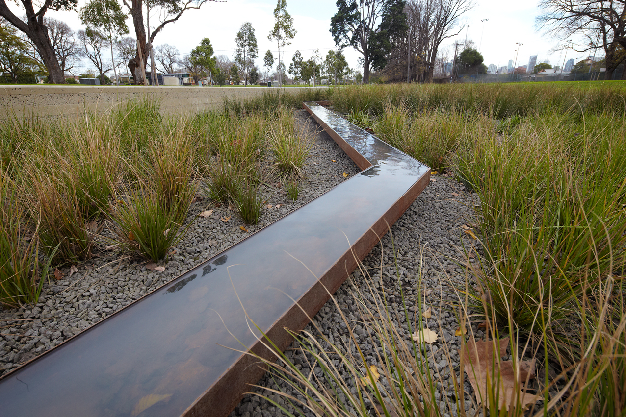 The Edinburgh Gardens raingarden captures and treats stormwater and provides irrigation for the surrounding park.